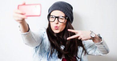 Farsi troppi selfie può diventare una malattia