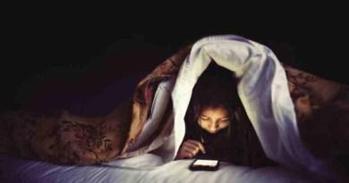 I ragazzi dormono meno a causa dello smartphone