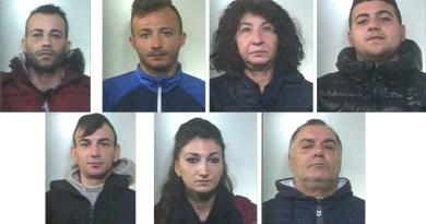 Un market della droga a conduzione familiare allo Zen a Palermo. I Carabinieri arrestano 7 persone nell'operazione denominata Under Square