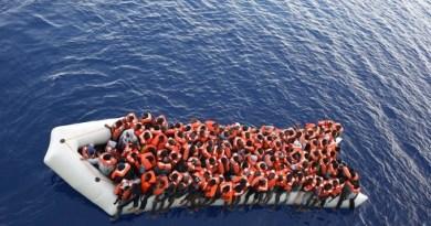Migranti, sbarcano in 210 a Palermo. Due ricoverati, tra cui una donna incinta