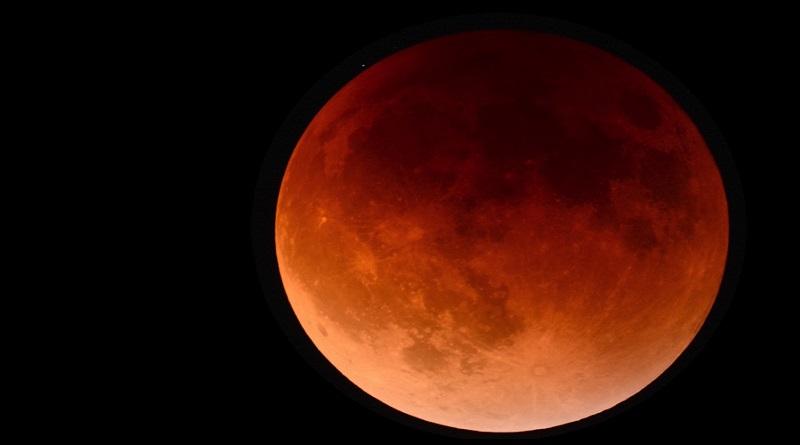 Il ritorno della Superluna, grazie all'eclissi sarà rossa