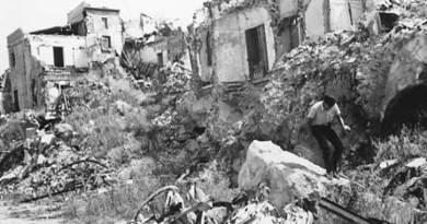"""Un ciclo di iniziative culturali, artistiche, laboratori e convegni per ricordare il tragico terremoto del Belice che, tra la notte tra il 14 e il 15 gennaio del 1968, causò centinaia di morti e distrusse interi paesi. Intitolato """"Insieme per Costruire Bellezza"""", il suo obiettivo è, in occasione del 50esimo anniversario che ricorre quest'anno, raccontare ciò che è diventata oggi la Valle del Belice dopo la ricostruzione. """"Un'occasione - spiega Nicola Catania, sindaco di Partanna e coordinatore dei sindaci del Belice - per narrare di una Valle che ha costruito il suo riscatto sociale ed economico"""". Gli appuntamenti in programma si svolgeranno durante tutto l'arco del 2018. Un supporto alla realizzazione delle celebrazioni del 50esimo anniversario sarà dato da un Comitato tecnico, nato dalla volontà del Coordinamento dei sindaci del Belice."""