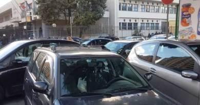 """Palermo, il traffico selvaggio davanti alle scuole e le zone """"devigilizzate"""""""
