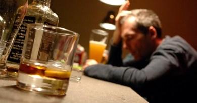L'alcol potrebbe essere un fattore di rischio per l'Alzheimer