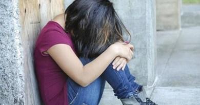 """""""Sei grassa"""", in una scuola di Augusta 12enne prende a pugni in faccia la compagna"""