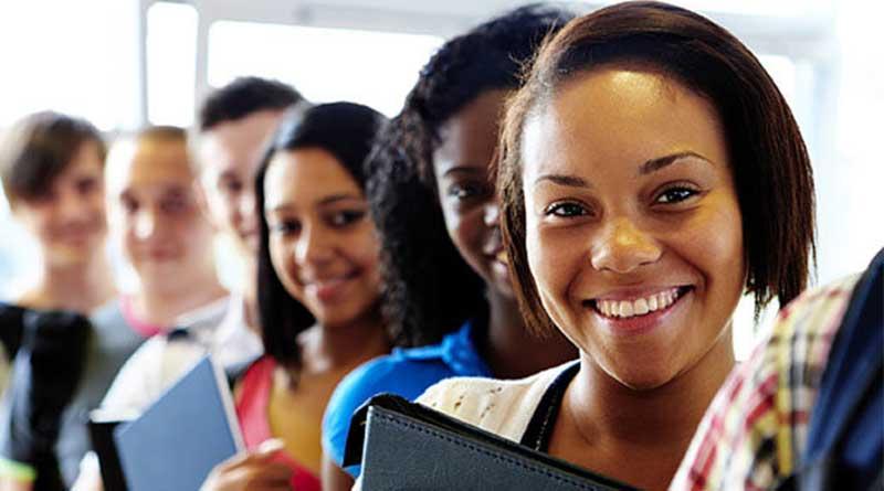 """""""Studiare Migrando"""", la prima piattaforma e-learning per giovani migranti e rifugiati"""