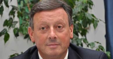 Il tribunale del Riesame di Palermo ha disposto la revoca degli arresti domiciliari per Salvino Caputo e il fratello Mario Palermo, voto di scambio: arrestato ex deputato Salvino Caputo