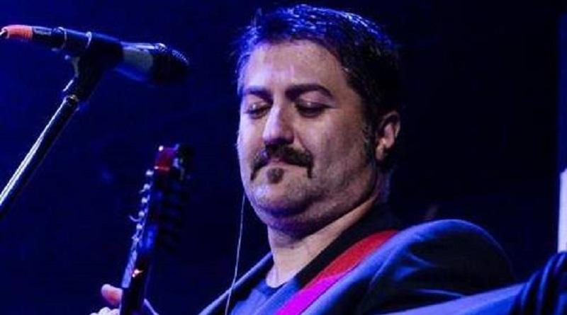 Un post su Facebook annuncia gli arresti domiciliari per Tony Troja, musicista e cantante, famoso per le sue parodie su Youtube