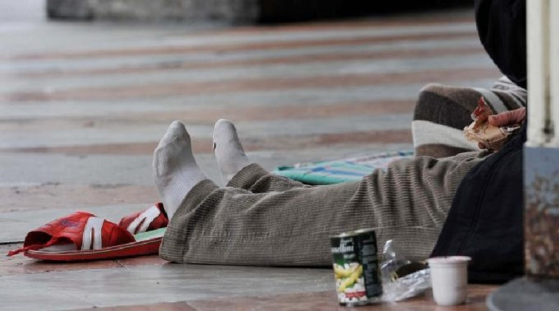 Clochard bruciato vivo a Palermo, ergastolo per un benzinaio