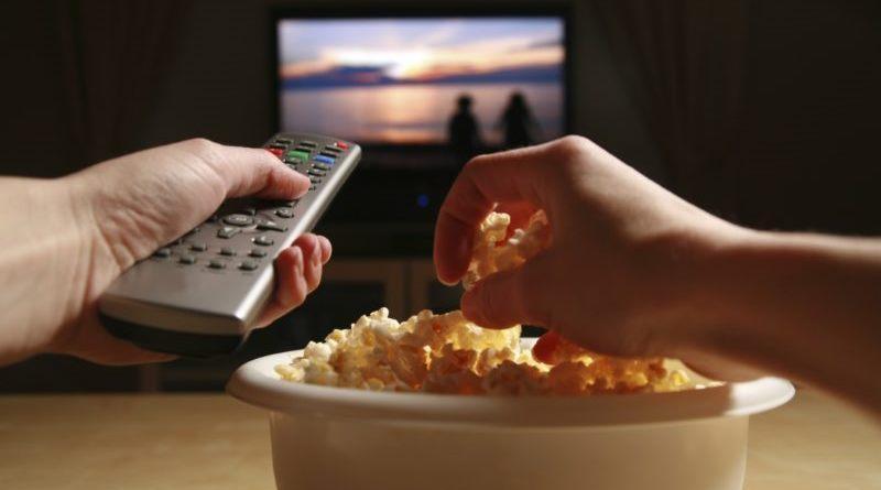 Guardare serie Tv diventa un lavoro: Netflix assume spettatori