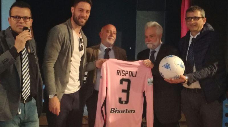 Un calcio contro l'illegalità, incontro tra il vicecapitano rosanero Rispoli e i ragazzi del Malaspina