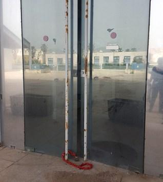 Porta ingresso scassinata Asi Palermo