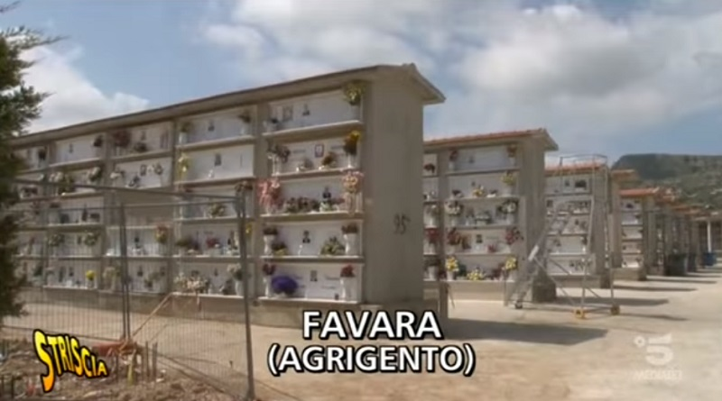Centro per l'impiego cimitero Favara Striscia la notizia