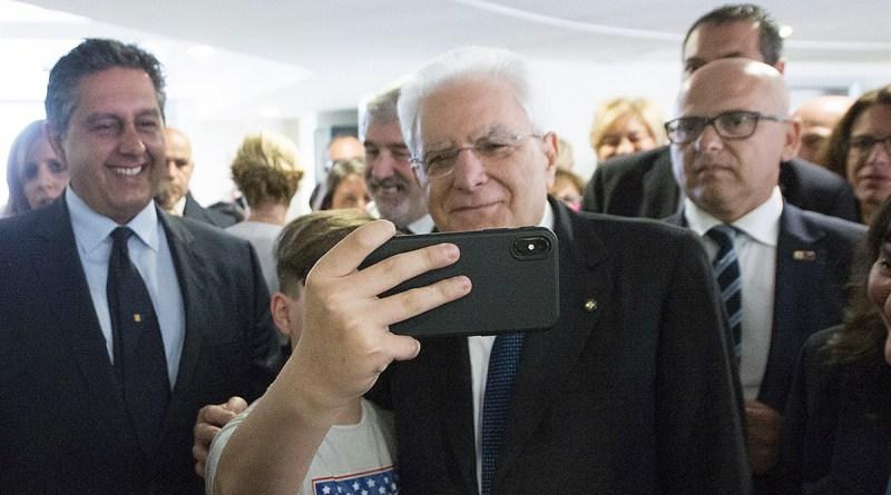 """Il Presidente Sergio Mattarella nel corso della visita all'Istituto pediatrico """"Giannina Gaslini"""""""