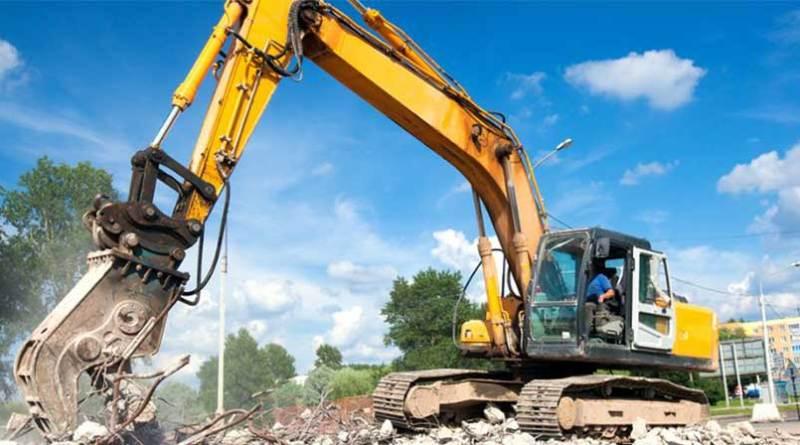 Abusivismo, ad Altavilla ruspe in azione per demolire 13 ville costruite sul mare