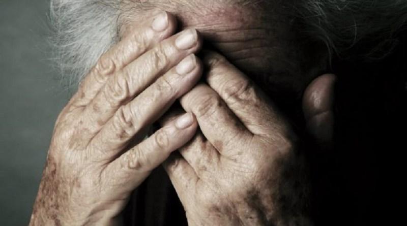 Ragusa, anziane abbandonate e chiuse a chiave in casa di riposo: arrestato il titolare