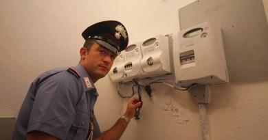 I Carabinieri hanno arrestato per furto aggravato in concorso due fratelli di Misilmeri, rispettivamente gestore e proprietario di una sala banchetti: avevano manomesso il contatore elettrico