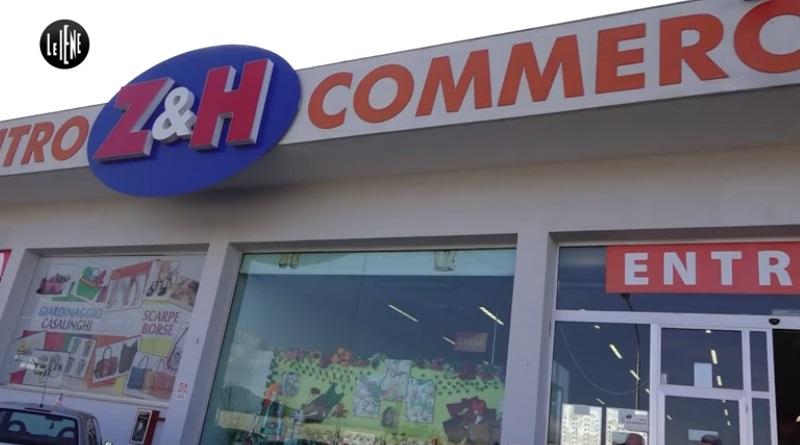 Il servizio de Le Iene tornano su un enorme centro commerciale cinese a Bagheria all'interno del quale i dipendenti lavorano 12 ore al giorno, senza contratto, pagati in contanti e senza diritti, per 550 euro al mese