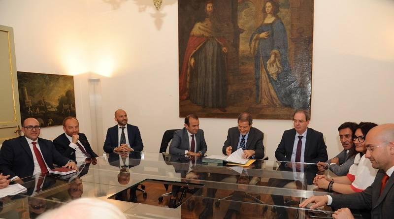 Sottoscritto alla Regione il contratto di costa, un documento per sistemare e salvaguardare un lungo tratto di costa siciliana, da Patti a Tusa