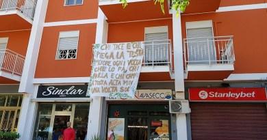 Sono stati infine esposti in tutto il quartiere Passo di Rigano i lenzuoli della legalità preparati dai bambini del plesso intitolato a Emanuela Loi della scuola I.C. Boccadifalco Tomasi di Lampedusa