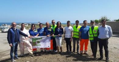 """In occasione della giornata europea Let's Clean-Up day,""""Puliamo l'Europa"""", una squadra di operatori Rap e un gruppo di volontari dell'associazione Retake Palermo hanno ripulito il porticciolo della Bandita"""