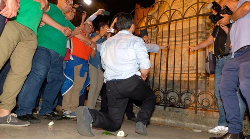 """Il neo sindaco di Messina annuncia su Facebook: """"Mi ha chiamato il Papa"""". Il Vaticano smentisce. Che sia stato uno scherzo come quello fatto a Paolo Brosio?"""
