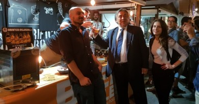 """""""Beer Bubbles"""", grande successo per il Festival della birra a Palermo. Presente anche il sindaco Orlando"""