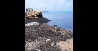 Triscina ruspa rifiuti spiaggia Mareamico