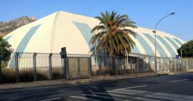 Pallone in viale del Fante, ex centro stampa Italia '90