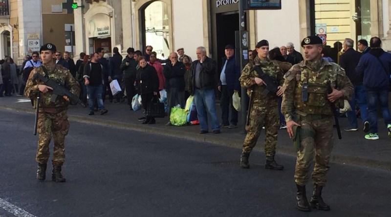 """Pattuglie dell'Esercito a Catania, operazione """"Strade sicure"""""""