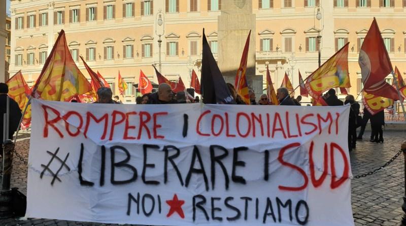 Manifestazione USB a Montecitorio contro regionalizzazione