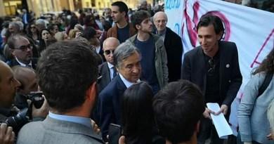 Il caso della professoressa sospesa a Palermo, l'USB ha già raccolto quasi 150 mila firme