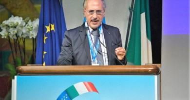 Uilca Sicilia in Consiglio Regionale. Al centro CCNL e desertificazione bancaria