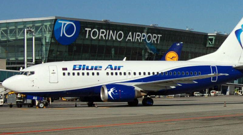 Aereo Blue Air aeroporto di Torino