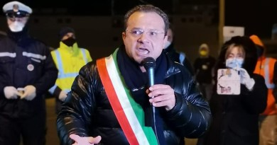 """Covid, ristorazione e bar in Sicilia, De Luca, sindaco di Messina: """"Facciamo valere il nostro Statuto Speciale per chiudere dopo le ore 24"""""""