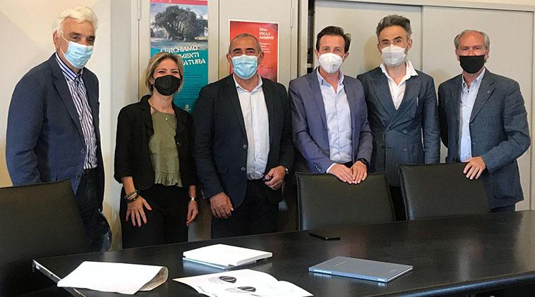 Nella foto da sinistra: Di Paola, Tabacco, Pulvirenti, Caputo, Duravcevic, Lo Porto