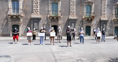 NO G20-CATANIA: ai Benedettini un flashmob del Movimento Universitario Autorganizzato e di Potere al Popolo