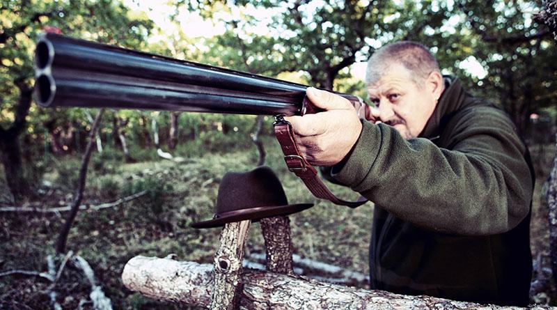 cacciatore con fucile