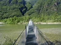 Inizio del sentiero su passerella sospesa (con mal di mare)
