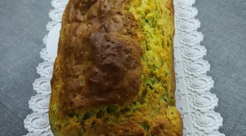 Plumcake salato con pesto e zucchine