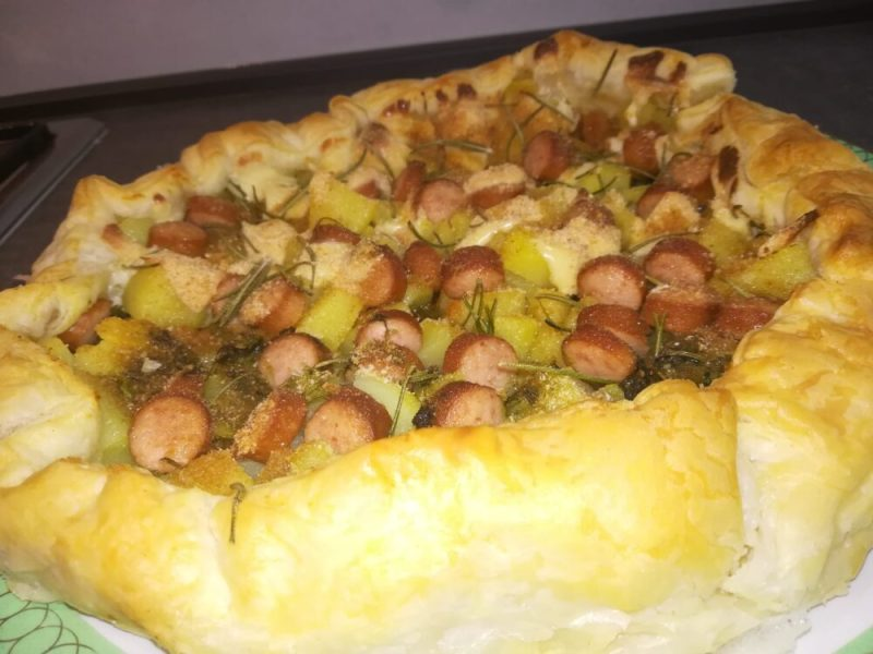 Torta rustica con patate, pesto e wustel