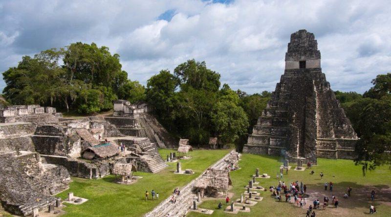 Piramide di Tikal
