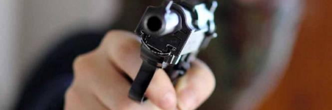 Image result for uno che spara un altro
