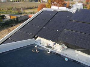 L'ENERGIA è autoprodotta da fonti rinnovabili grazie a un impianto fotovoltaico della potenza di 11,96 kWp.