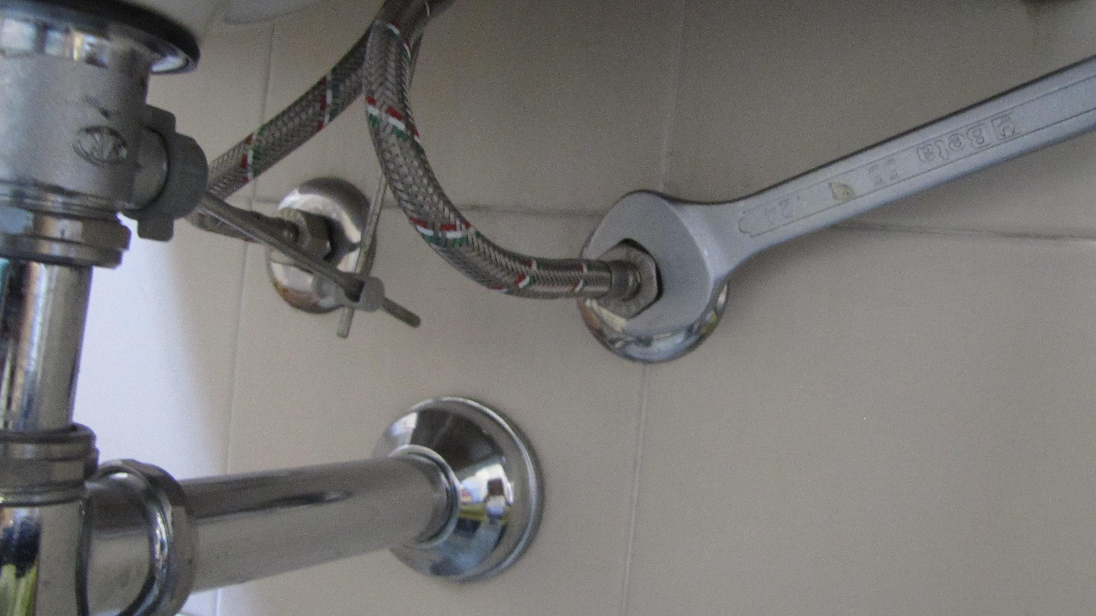 Come collegare un tubo flessibile gt il giornale del termoidraulico - Tubo flessibile gas cucina normativa ...