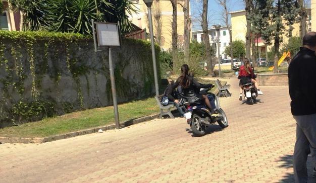 ciclomotori in villa