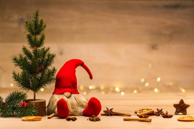 Le migliori frasi per auguri di natale da inviare ad amici e parenti per questo anno particolare: Buon Natale E Buone Feste Le Frasi E Le Citazioni Migliori Da Inviare Ilgiornalelocale It
