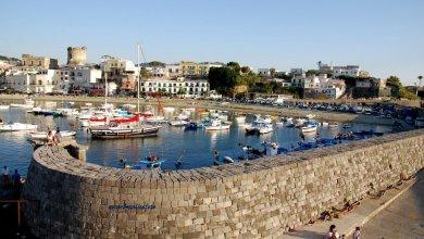 Photo of Il grande affare del porto di Forio… ma non per i foriani