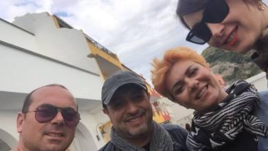 Photo of Gigi Finizio a Sant'Angelo per girare la sua nuova videoclip