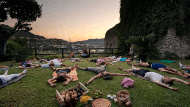 Photo of Baratti tra yoga e hang  nell'orto del Castello Aragonese